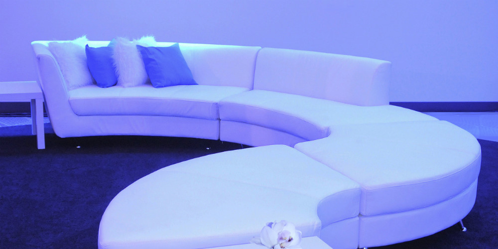 Rad Blu opening curve couch 1000x500