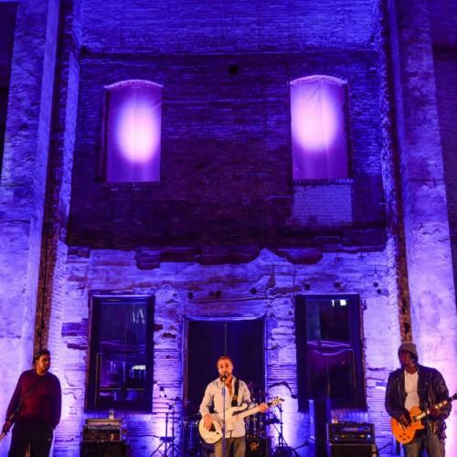 Jazz club stage decor with live music