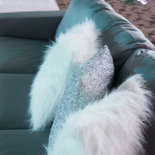 SPS fur pillows