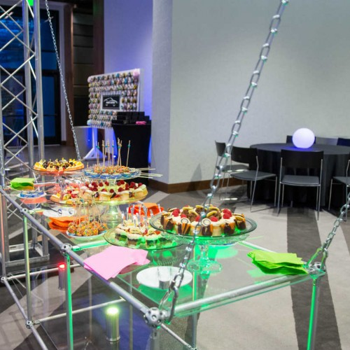 Lulavy Hanging Buffet