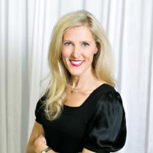 Kari Gronseth, Wedding Specialist