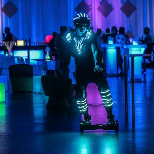 Essentia Glow Skater
