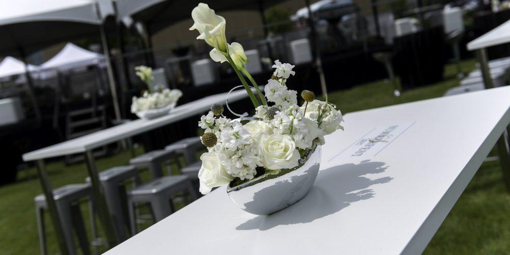 Upsher Casino White table flowers