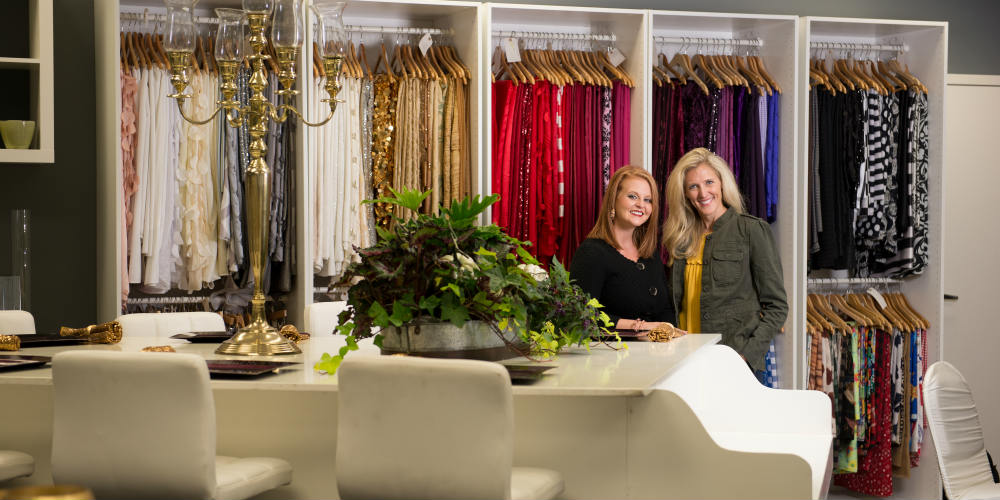 Showroom Kari and Laura by linens 1000 x 500