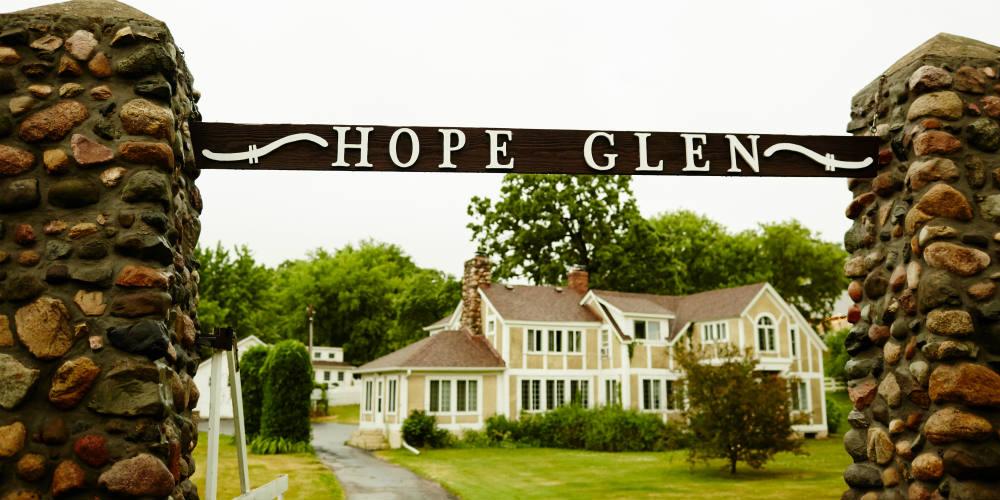 Daniel Wedding Hope Glen 1000 x 500