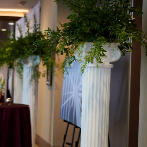 Column decor at italian dinner party
