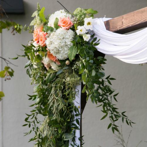 Jennifer&Charlie Spavek Olson Arch Flowers